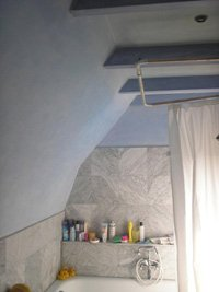 cobalt blue bathroom painting idea